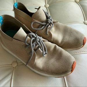 Native sneakers hi top style sz 8.5